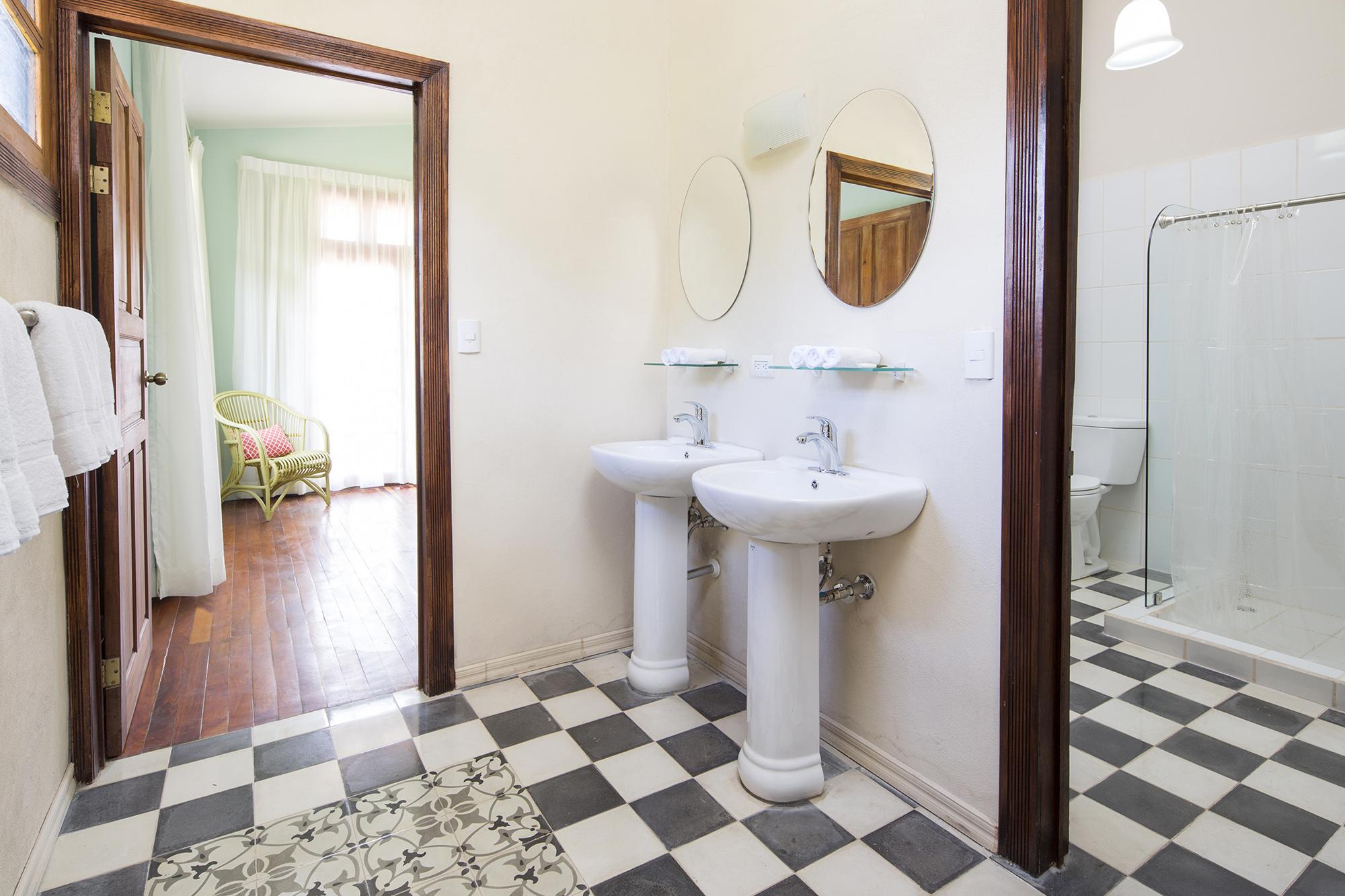 Master Suite – Two bedrooms / 3 Queen beds (1)   Villa San Ignacio ...