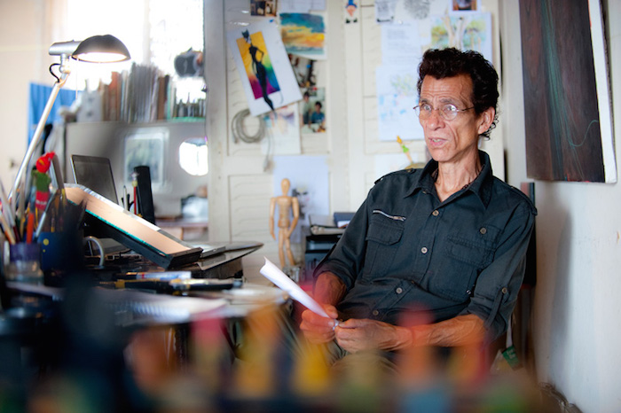 Retratos de los artistas Arburola Ilustrador Fotógrafo productores actores para la revista Su Casa tomados por Rodrigo Montoya V.